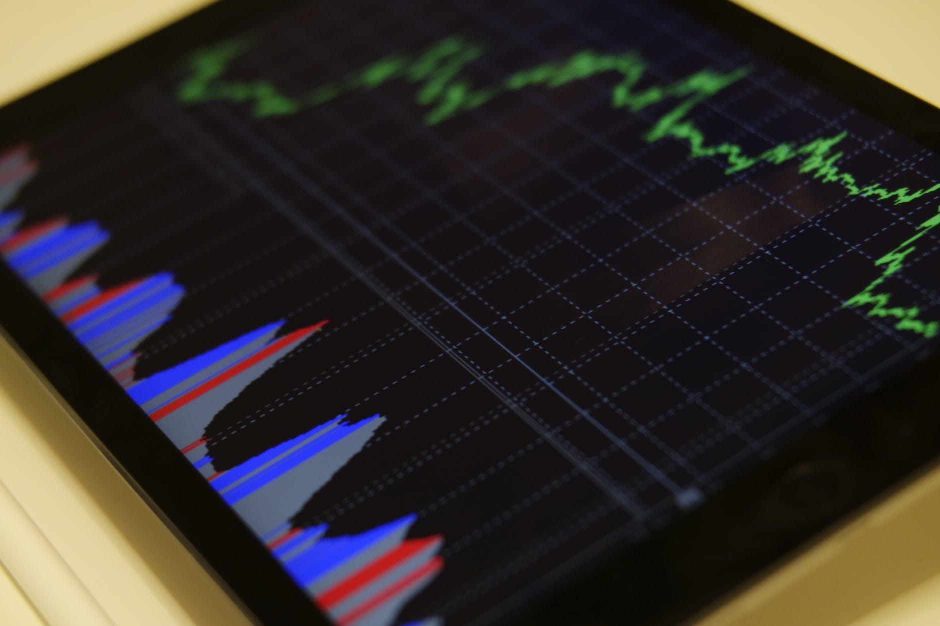 Jaki wpływ ma Fintech na rozwój usług finansowych